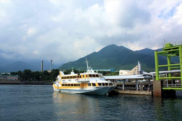 屋久島へのアクセス 高速船 トッピーとロケットがあるけど会社が合併しただけで料金とかは一緒