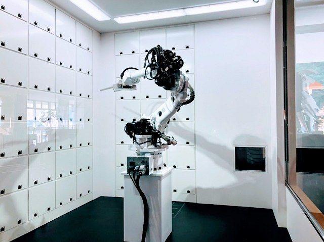 変なホテル ロボットクローク