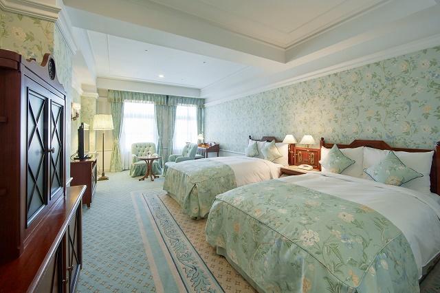 ホテルヨーロッパ ヨーロッパデザイナールーム ベッド