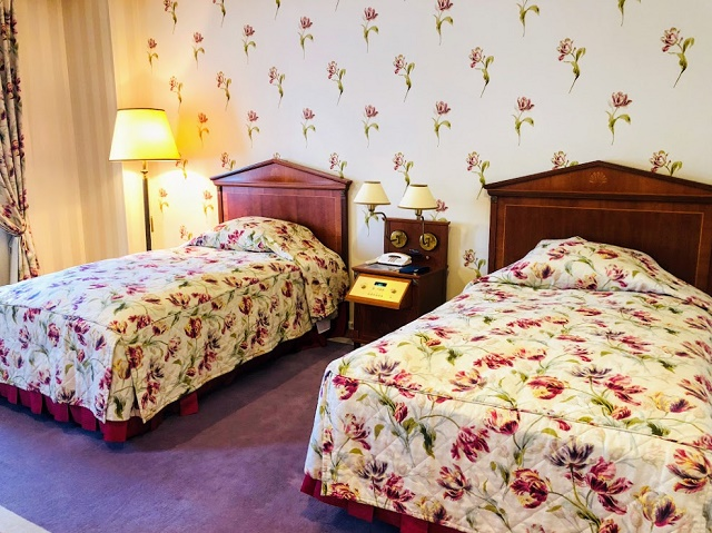 ホテルアムステルダム ローラアシュレイルーム ベッド