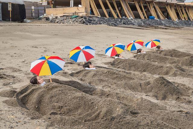 指宿 砂蒸し温泉 砂楽 スタッフがサクッと写真を撮ってくれる