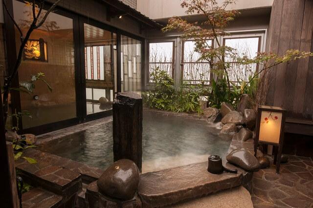 天然温泉 霧桜の湯 ドーミーイン鹿児島 露天風呂