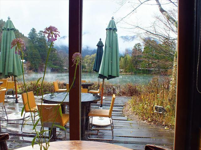 湯布院 金鱗湖 カフェ 朝食 Cafe La Ruche 座席