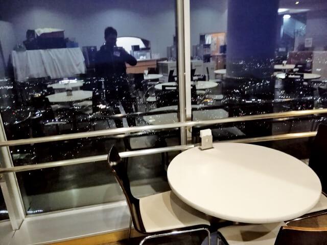 レストランから望む皿倉山の夜景